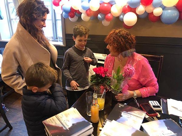 Della book signing-2